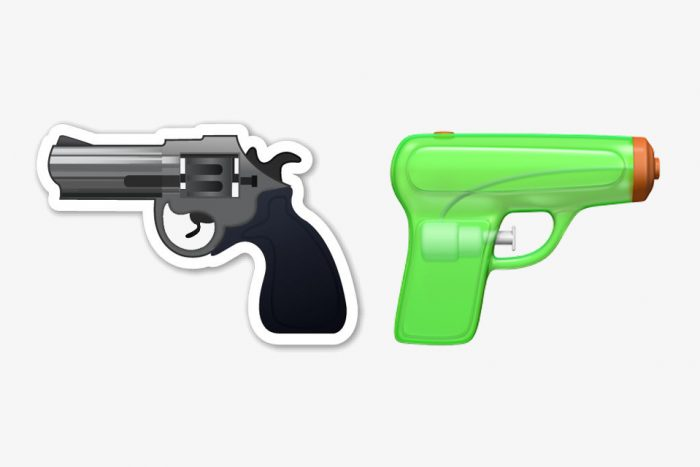 apple-gun-emoji-water-pistol-001-1
